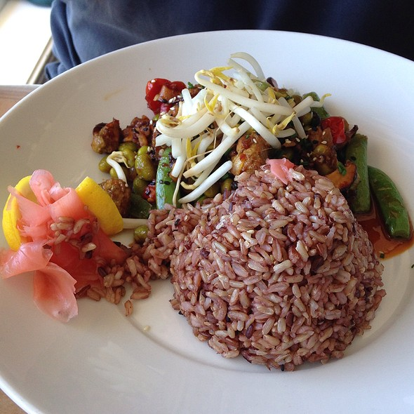 Balinese Stir Fry With Organic Brown Rice - Mala Ocean Tavern - Lahaina, Lahaina, HI