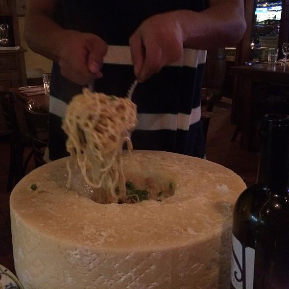 Spaghetti Cacio E Piselli Con Pancetta - Cacio e Vino, New York, NY