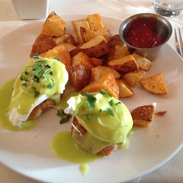 Dungeness Crab Benedict - VILLAGE California Bistro & Wine Bar, San Jose, CA