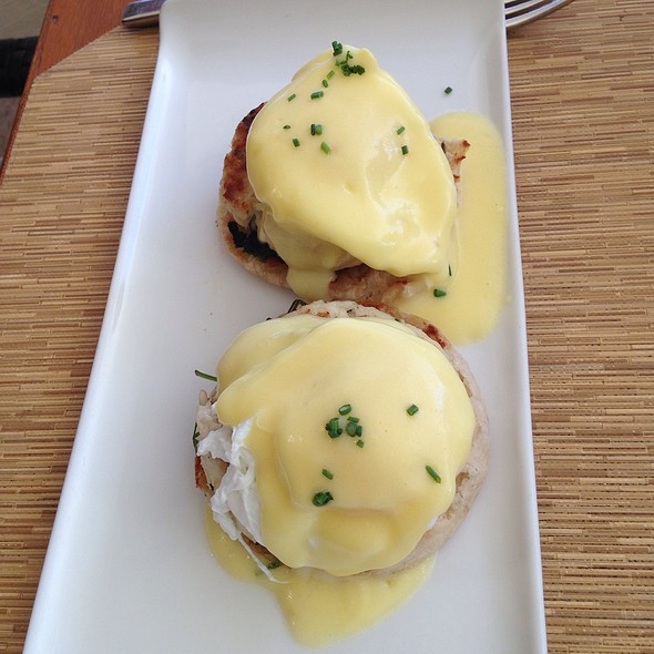 Eggs Benedict - DUO - Steak & Seafood, Wailea, HI