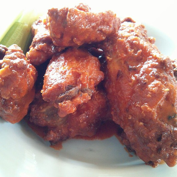 Buffallo Wings - Mad Batter Restaurant, Cape May, NJ