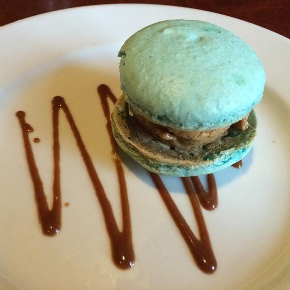 Macaroon Ice Cream Sandwich - Stumbling Goat Bar and Bistro, Seattle, WA