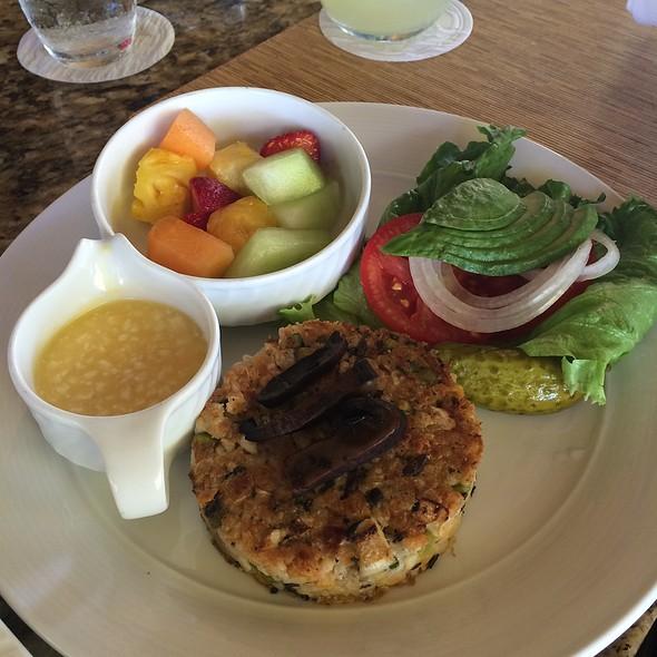 Veggie Burger - Ferraro's Bar e Ristorante Maui, Wailea, HI