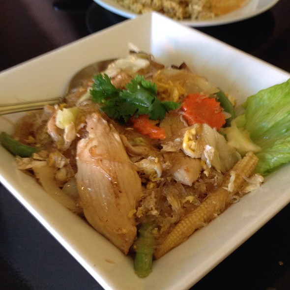 Phad Woon Sen W Duck: Foodspotting