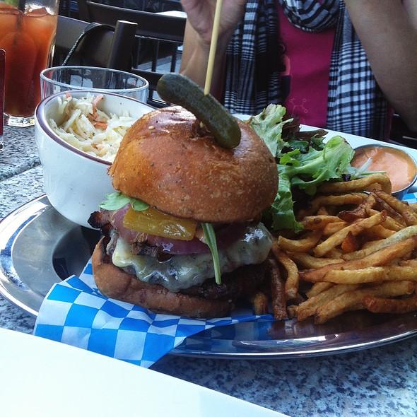 Bridget Burger - Taverne Gaspar, Montréal, QC