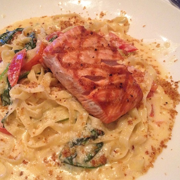 Smoked Salmon Fettuccine - Cutters Crabhouse, Seattle, WA