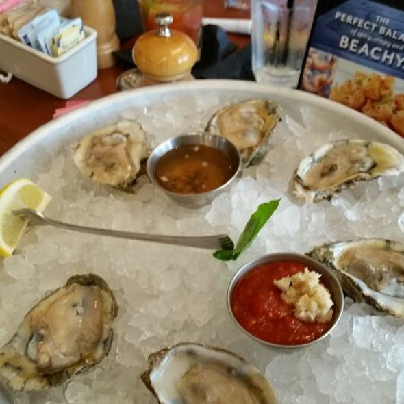 Oysters on the Half Shell - Mitchell's Fish Market - Waterfront - Pittsburgh, Homestead, PA