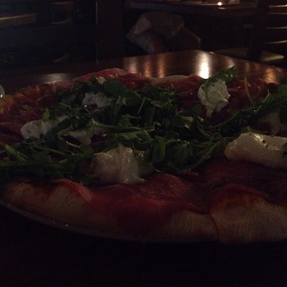 Prosciutto Pizza With Burrata - Della Terra, Los Angeles, CA