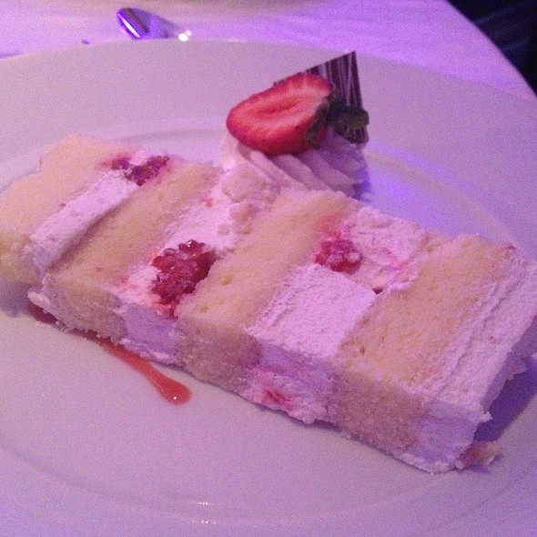 Strawberry Cake - The Veranda at the Kahala Resort, Honolulu, HI