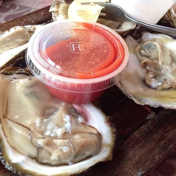 Oysters - Kentmorr Restaurant, Stevensville, MD
