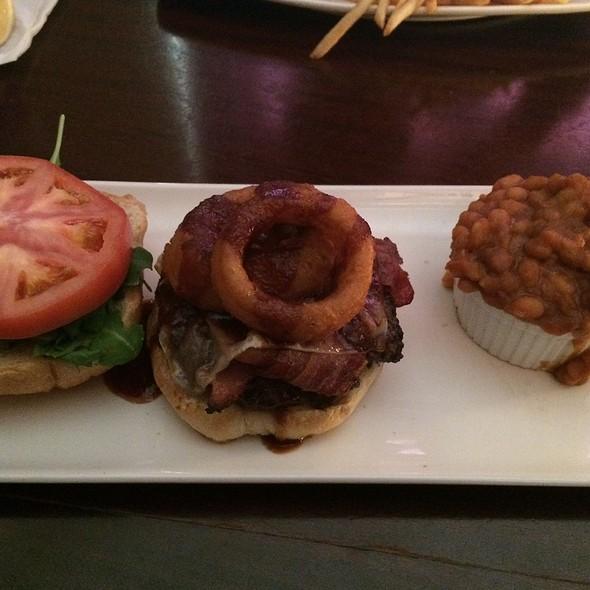 Big Devil Burger - Bâton Rouge Steakhouse & Bar - Scarborough, Scarborough, ON