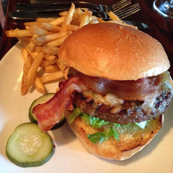 22B Black Angus Burger - 22 Bowens Wine Bar and Grille, Newport, RI