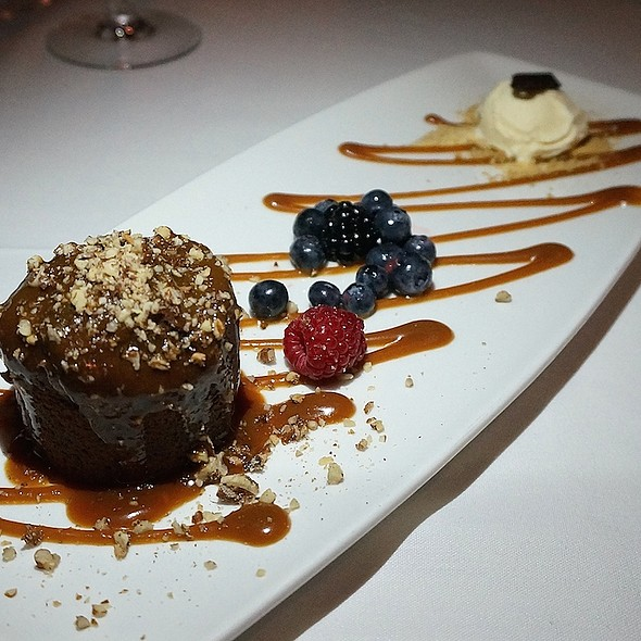 Turtle lava cake, pecan-caramel sauce, vanilla ice cream - The Metropolitan, Chicago, IL