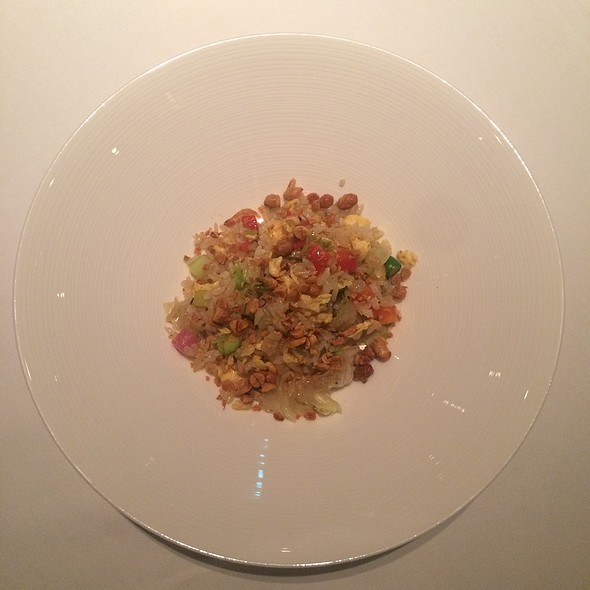 Wok Fried Rice With Vegetables, Soy Beans And Amaranths Seed - カントニーズ 燕 ケン タカセ, 千代田区, 東京都