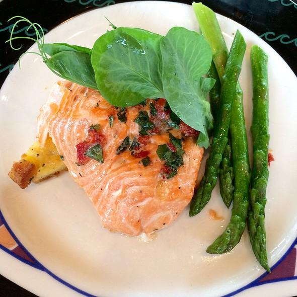 Wild Alaskan King Salmon - Anthony's Pier 66, Seattle, WA