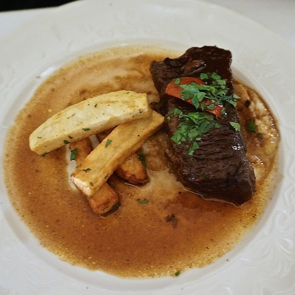 Braised short rib with cherry pepper, port wine glaze, fennel apple purée and fries - Scalini Fedeli, New York, NY