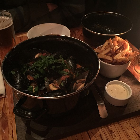 Moules Frites Congolaise - Chambar, Vancouver, BC