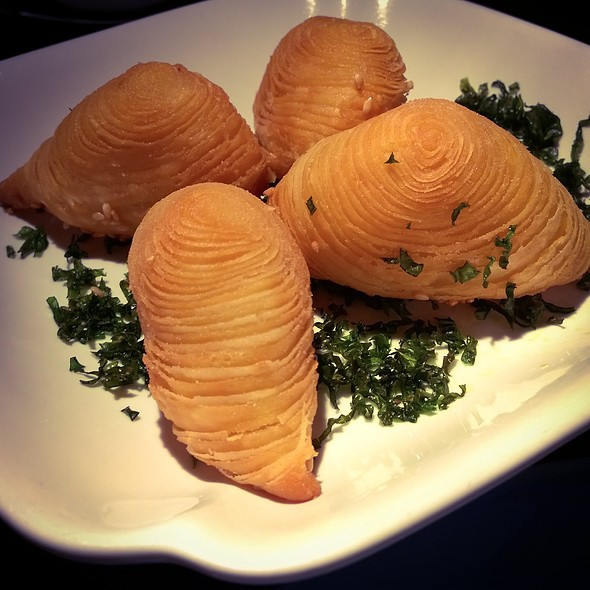 Golden radish and crab meat pastry - Hakkasan Hanway Place, London