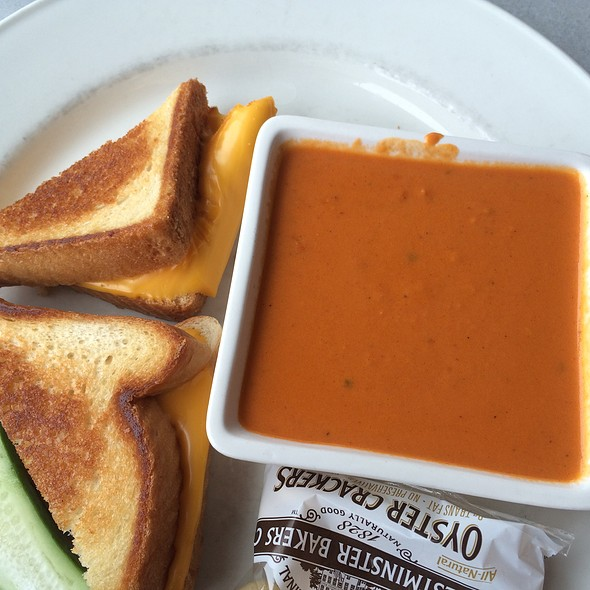 Grilled Cheese & Tomato Bisque - Dish n' Dat, Canton, CT