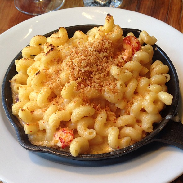 Crawfish Mac N Cheese - The Twisted Tail, Philadelphia, PA