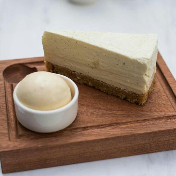 Vanilla Cheesecake, Sour ice cream - Tom's Kitchen - Chelsea, London