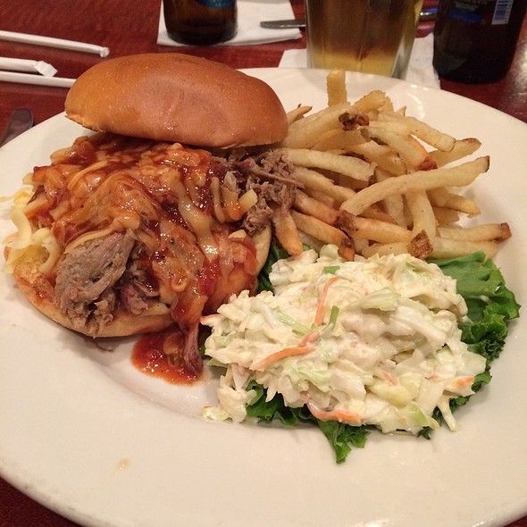 Pulled Pork Sandwich - Lake Pointe Grill, Springfield, IL