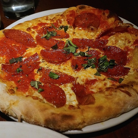 Pepperoni Pizza - Frankie's Pizzeria & Scaloppine, Chicago, IL