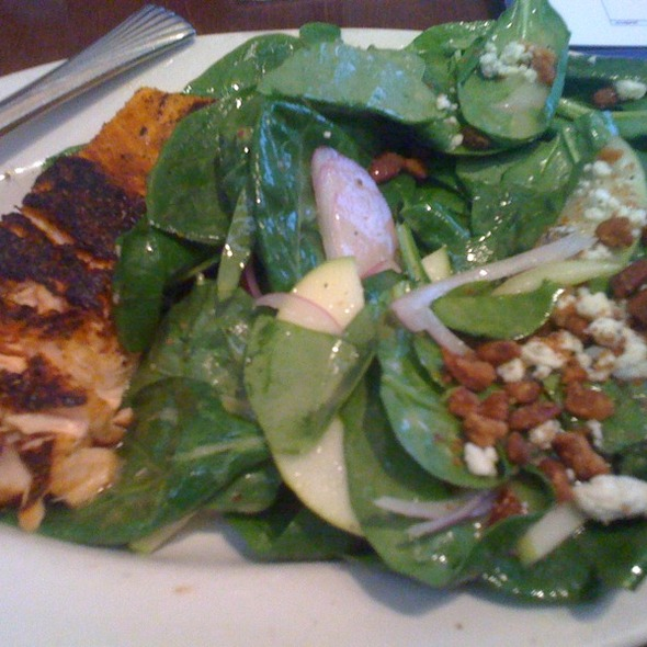 Blackened Salmon Salad - Mitchell's Fish Market - Cincinnati (West Chester), West Chester, OH