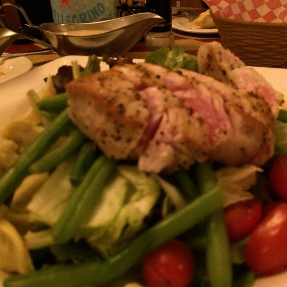 Tuna Nicoise - DiGiorgio's Cafe Largo, Key Largo, FL