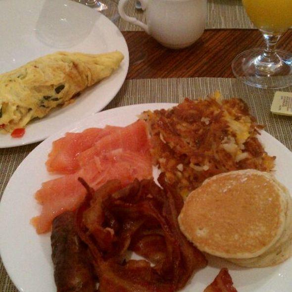 Breakfast Buffet - Temple Orange - Eau Palm Beach Resort & Spa, Manalapan, FL