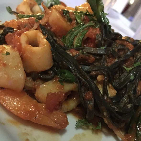 Linguini Nere - Black Linguini With Calamari, Shrimp, Arugula In A Spicy Tomato Sauce - Cafe Centro - West Palm Beach, West Palm Beach, FL