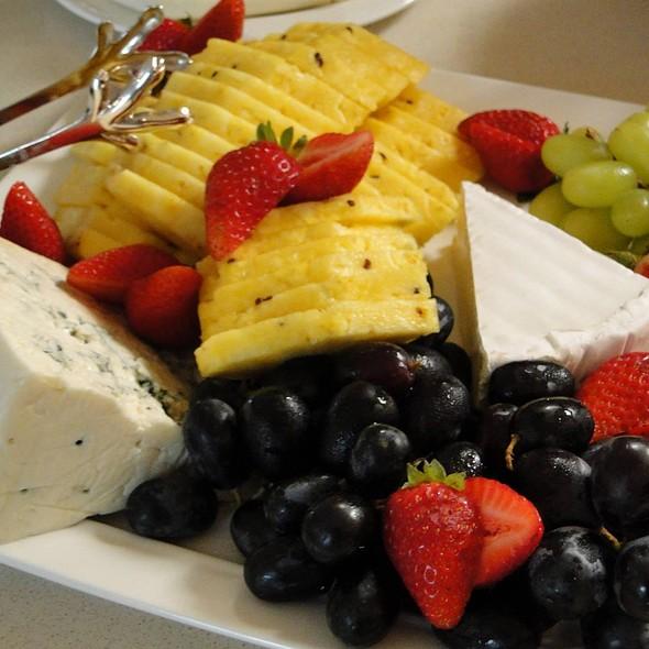 Fruit Plate - Vita Nova - University of Delaware, Newark, DE