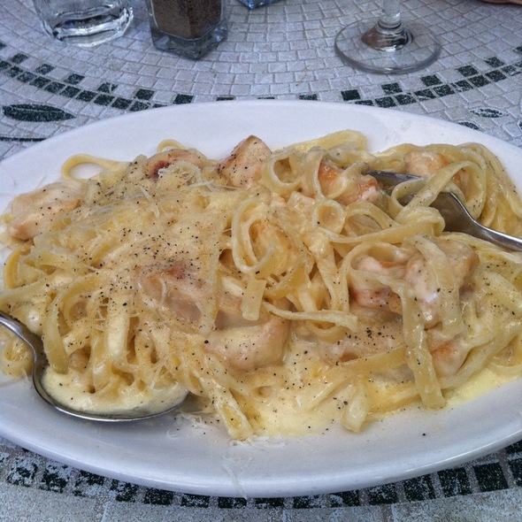Chicken Fettucini - Mankas Steakhouse, Fairfield, CA