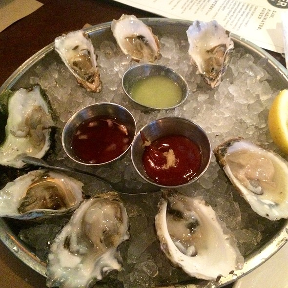 Assorted Raw Oysters - The River Oyster Bar, Miami, FL