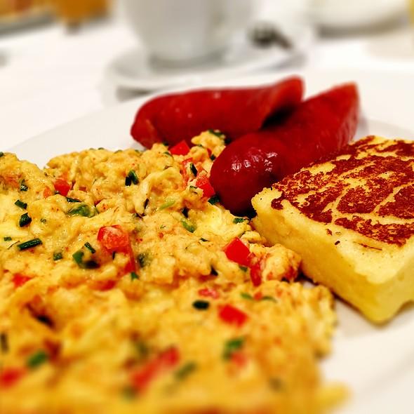 Bellair Breakfast - Sassafraz, Toronto, ON