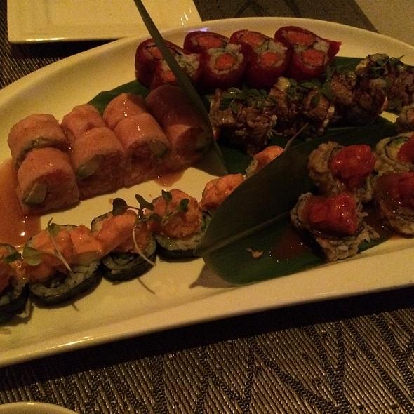Sushi-Valentine Roll, Sunset Blvd, Surf And Turf, Williamsburg, Fushimi King - Fushimi - Staten Island, Staten Island, NY
