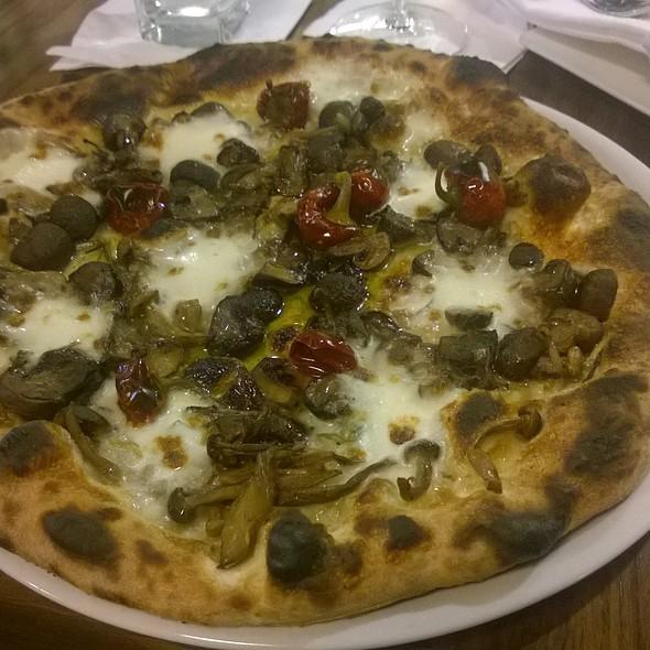 Funghi Bianco - Dante Ristorante Pizzeria, Omaha, NE