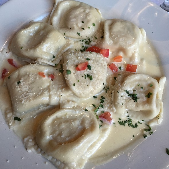 Raviolo Del Giorno, Pollo - Zarletti - Downtown, Milwaukee, WI