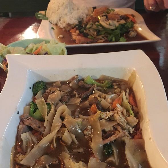 Thai Food Mary Esther Fl
