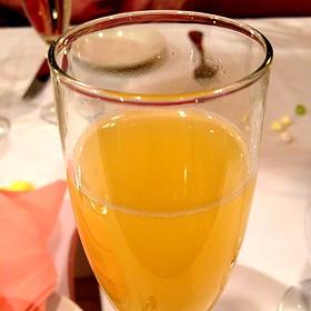 Bottomless Mimosa - Beacon Bar and Grill, Washington, DC