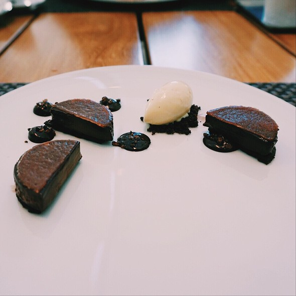 Chocolate And Salted Caramel - Maison Boulud, Montréal, QC