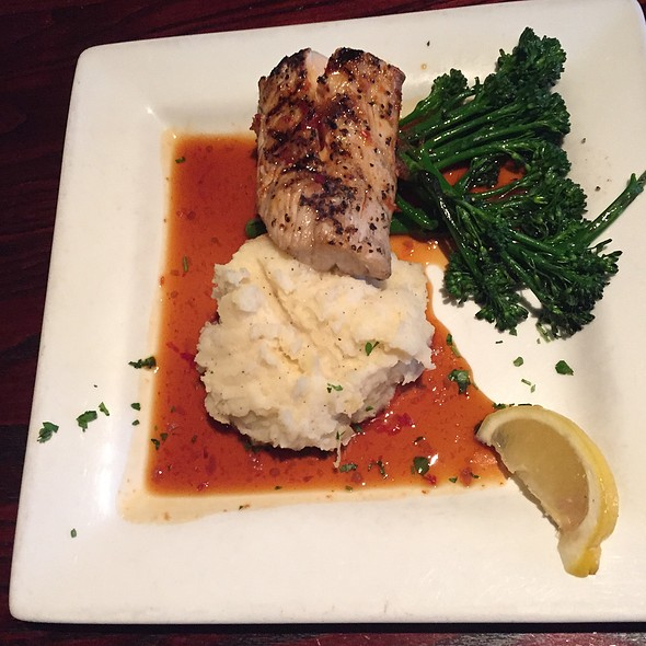 Mahi Mahi W/A Thai Chili Sauce & Broccolini & Garlic Mashed Potatoes - Max Gill and Grill, Denver, CO