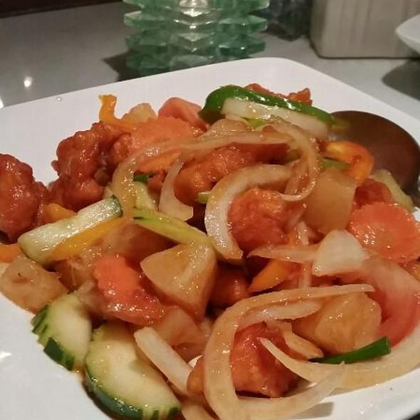 Sweet & Sour Chicken - Little Thai Fine Dining, Camarillo, CA