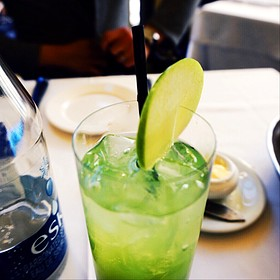 Laloux restaurant montr al qc opentable for Green apple mixed drinks