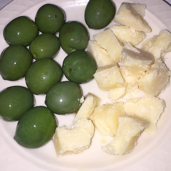 Olives And Parmesan - Tuscan Grill - Fort Lauderdale, Fort Lauderdale, FL
