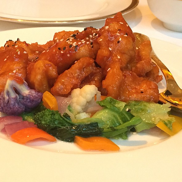 General Tso Chicken - Wing Lei, Las Vegas, NV