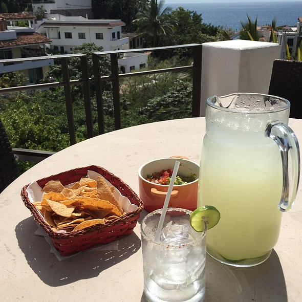 Guacamole and Chips - Taste Restaurant @ Casa Cupula, Puerto Vallarta, JAL