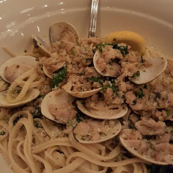 Linguine & Clams With White Clam Sauce - Maggiano's - Austin, Austin, TX