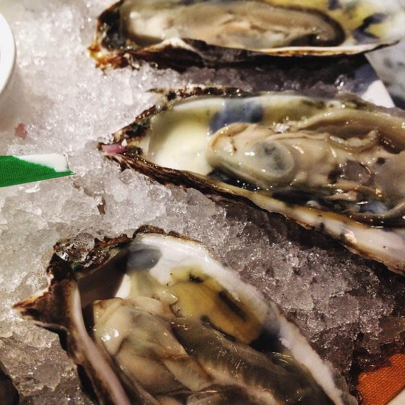 East Coast Oysters - Market Grille, Manchester, CT