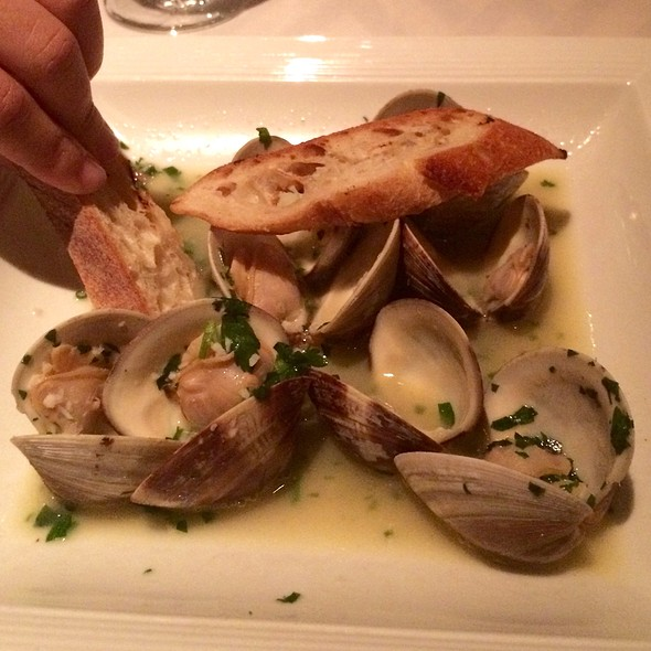 Clams - Slightly North of Broad, Charleston, SC